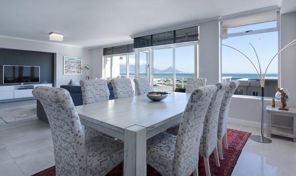 apartamento grande com vista para o mar
